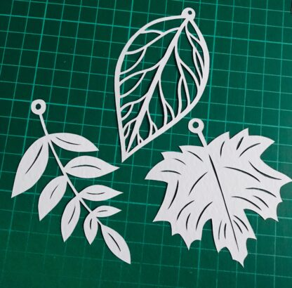 Autumn leaves paper cut